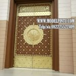 Model Pintu Masjid Kayu Jati Ukiran Kaligrafi Arabian Klasik