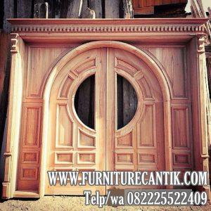 Pintu Kusen Utama Rumah Mewah Model Istana