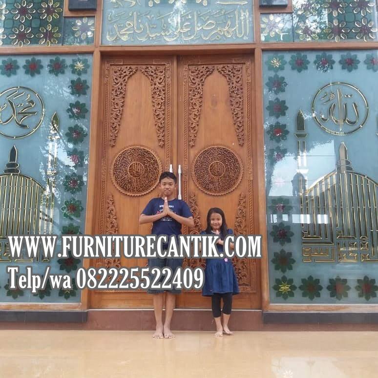 Model Pintu Utama Masjid Kayu Jati Perhutani